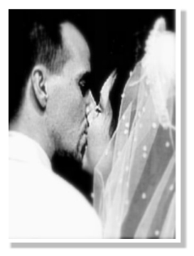 Wedding_kiss1