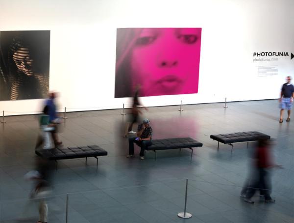 Melissa_pink_kiss_art_museum