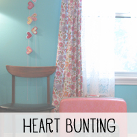 Free Valentine's Day Heart Bunting Tutorial and Pattern from Melissa at PinkPaperPeppermints.com