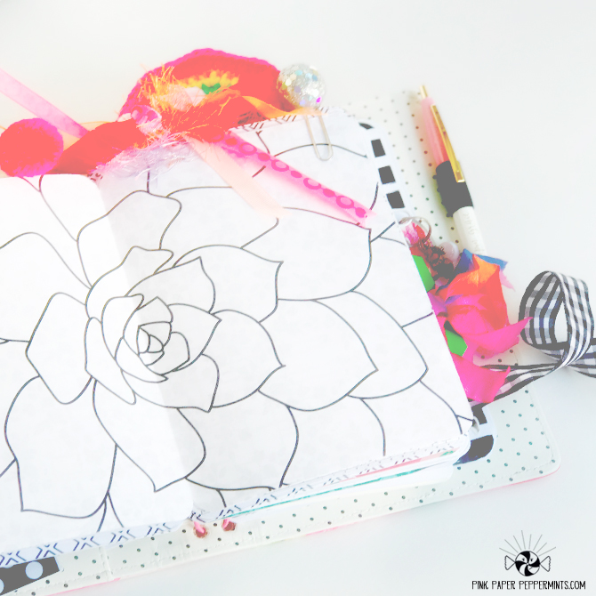 Printable black and white Traveler's Notebook Inserts!